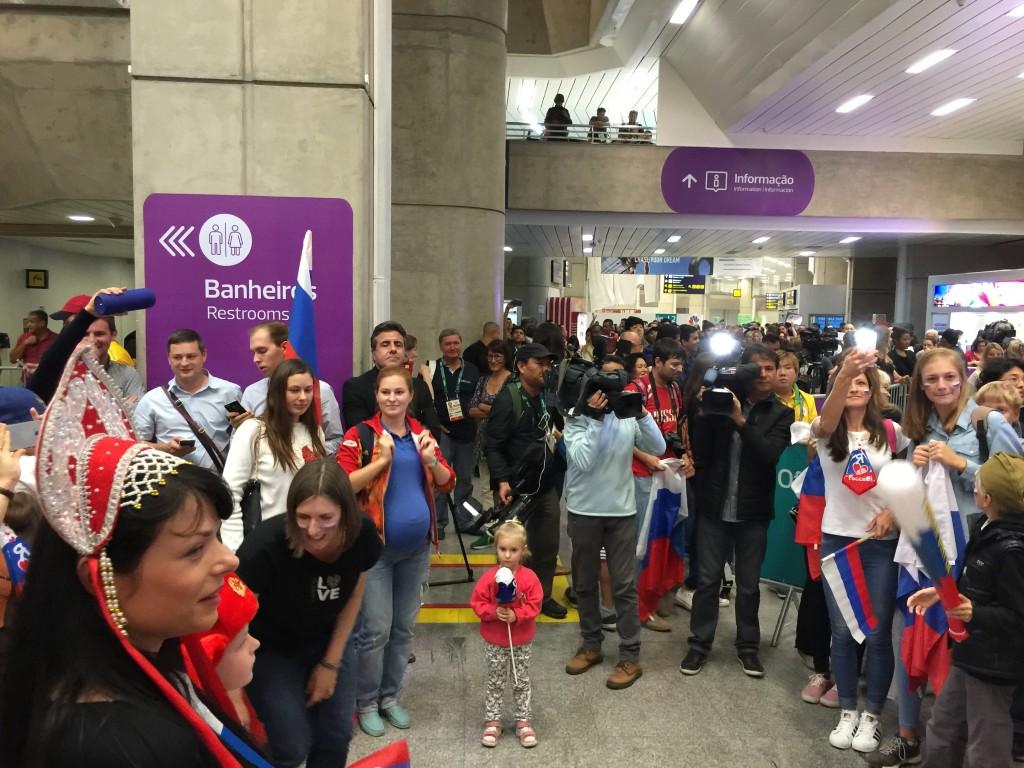 Встреча российской олимпийской сборной в аэропорту Рио де Жанейро
